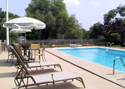 The pool at Su Casa Bed and Breakfast, Kansas City, Missouri